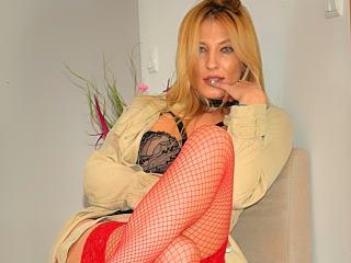 BlondeAngel33