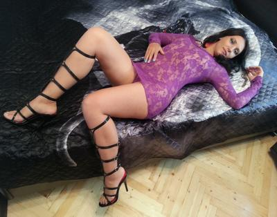 OLyaHott, 24 – Live Adult cam-girls and Sex Chat on Livex-cams